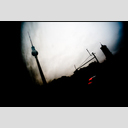 Frank Titze, Ulm/Germany - No. 1702 : Film 3:2 III - Red Van Below TV Tower - 953x640 Pixel - 171 kB
