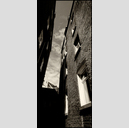 Frank Titze, Ulm/Germany - No. 2451 : Non Common II - Between Houses - 276x640 Pixel - 163 kB