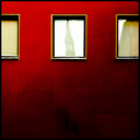 Frank Titze, Ulm/Germany - No. 4085 : Square 1:1 III - Townhall Mirror on Red Wall - 640x640 Pixel - 365 kB
