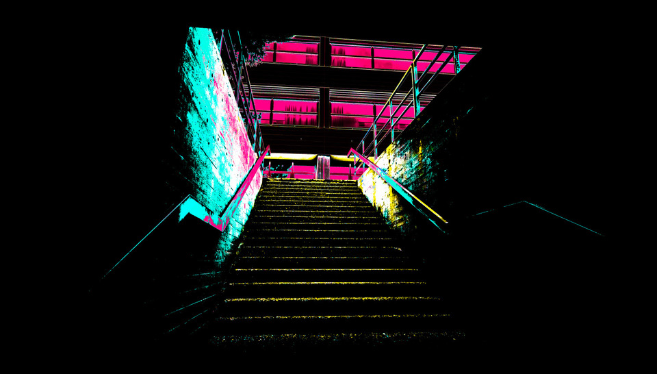 Frank Titze, Ulm/Germany - No. 1017 : Places - Stairs - 960x546 Pixel - 154 kB