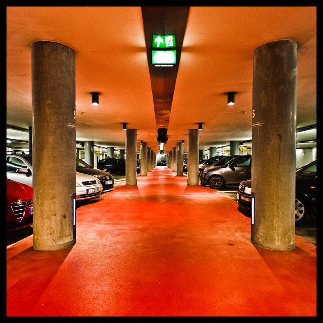 Frank Titze, Ulm/Germany - No. 268 : Ulm Center - Hall Way - 640x640 Pixel - 173 kB