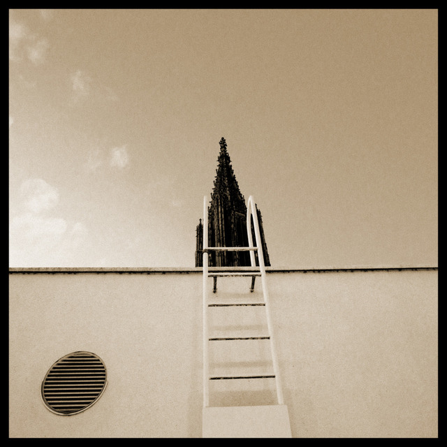 Frank Titze, Ulm/Germany - No. 278 : Ulm Minster - Ladder to the Minster - 640x640 Pixel - 111 kB