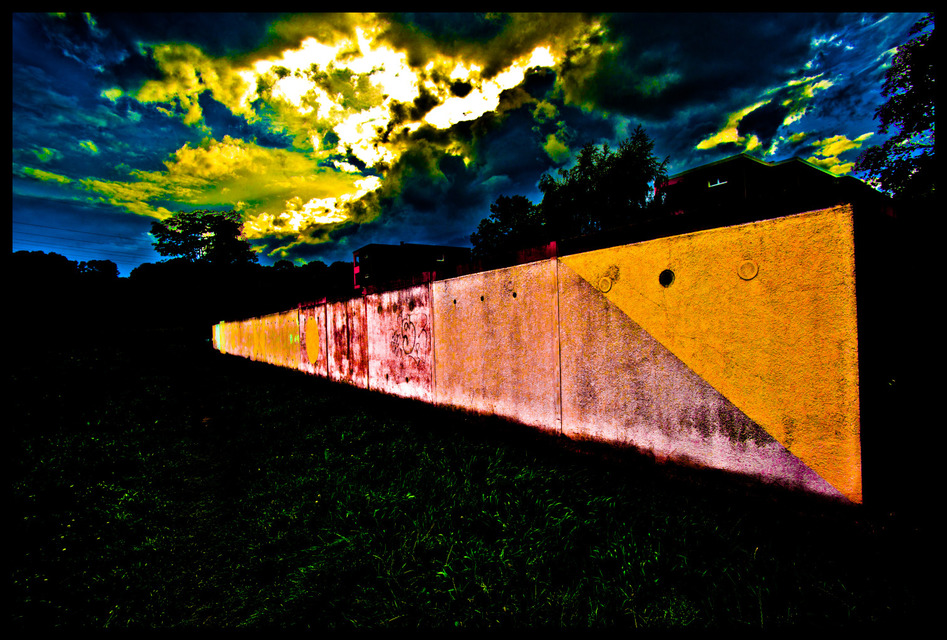 Frank Titze, Ulm/Germany - No. 319 : Places - The Wall - 947x640 Pixel - 319 kB