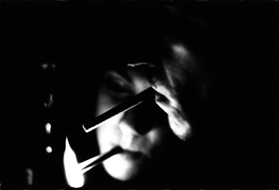 Frank Titze, Ulm/Germany - No. 32 : Pure Analog - Cigarettes - 940x640 Pixel - 46 kB