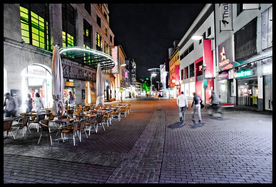 Frank Titze, Ulm/Germany - No. 389 : Ulm Center - Main Shopping Street - 947x640 Pixel - 319 kB