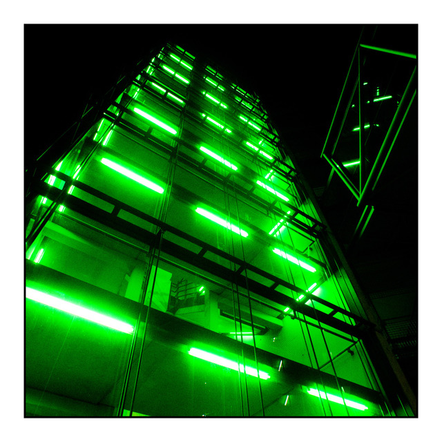 Frank Titze, Ulm/Germany - No. 392 : Ulm Center - Green Tower II - 640x640 Pixel - 184 kB