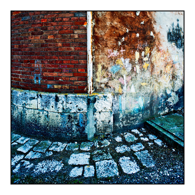 Frank Titze, Ulm/Germany - No. 417 : Square 1:1 I - Wall - 640x640 Pixel - 342 kB