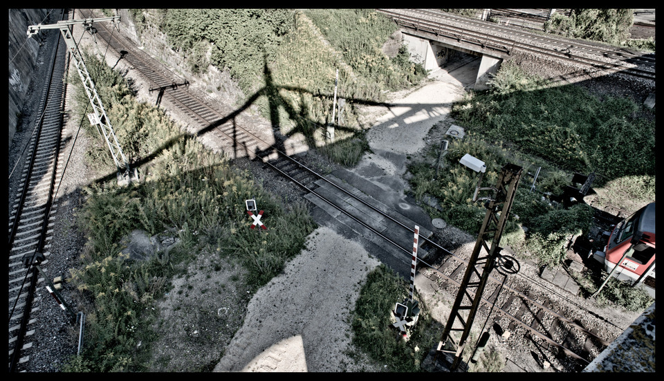 Frank Titze, Ulm/Germany - No. 446 : Ulm North - Bridge Shadow - 960x551 Pixel - 335 kB