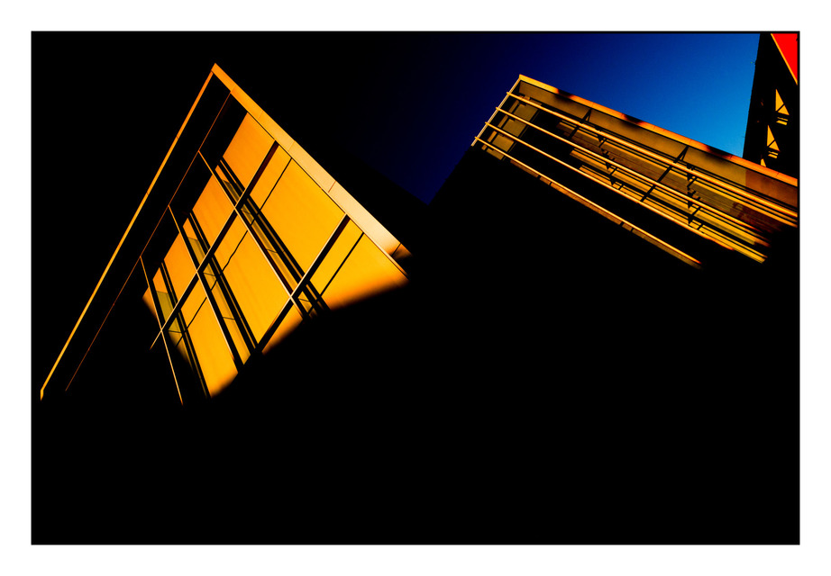 Frank Titze, Ulm/Germany - No. 473 : Ulm Center - Ulm Center at Sunset III - 922x640 Pixel - 130 kB