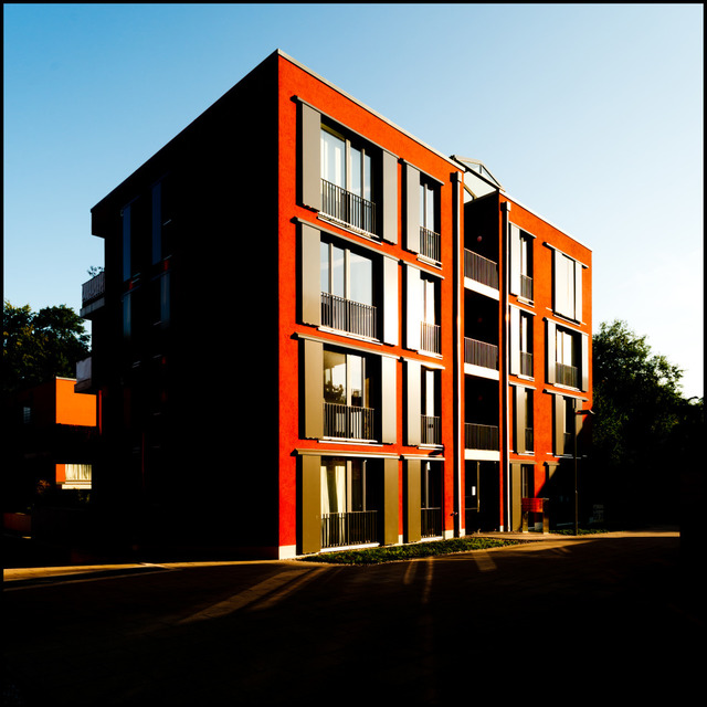 Frank Titze, Ulm/Germany - No. 552 : Ulm East - Red House II - 640x640 Pixel - 131 kB