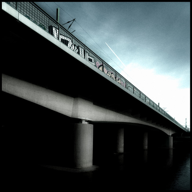 Frank Titze, Ulm/Germany - No. 758 : Ulm South - Train Bridge III - 640x640 Pixel - 87 kB