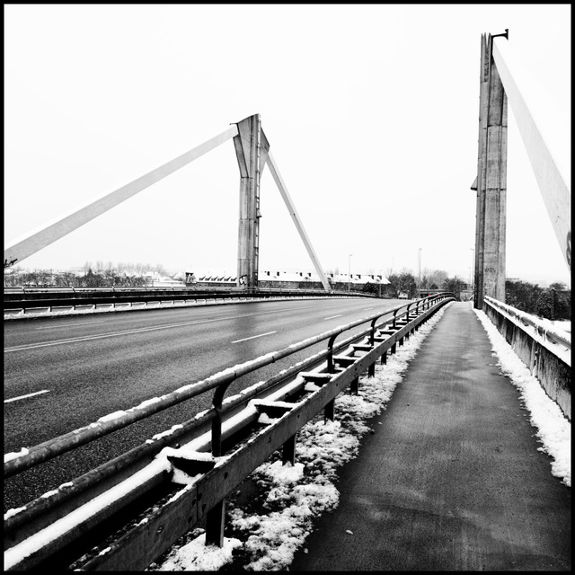 Frank Titze, Ulm/Germany - No. 902 : Ulm West - Winter Bridge - 640x640 Pixel - 132 kB