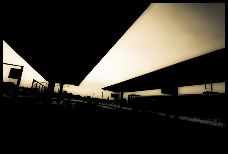Frank Titze, Ulm/Germany - No. 988 : Ulm East - At the Bus Station BW - 947x640 Pixel - 64 kB
