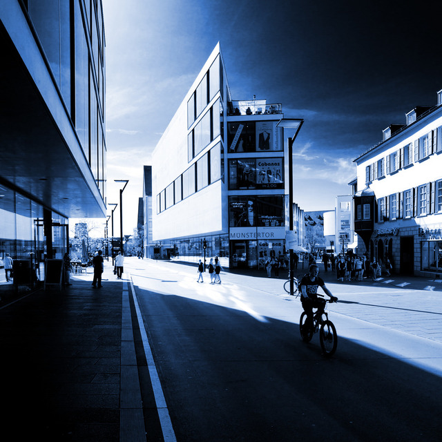 Frank Titze, Ulm/Germany - No. 152 : Ulm Center - Ulm Center IV - 640x640 Pixel - 167 kB