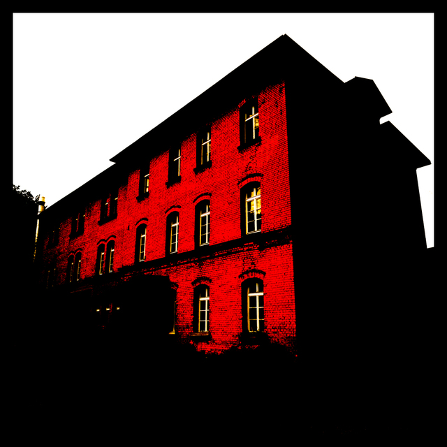 Frank Titze, Ulm/Germany - No. 1544 : Fortress of Ulm - Red House - 640x640 Pixel - 214 kB