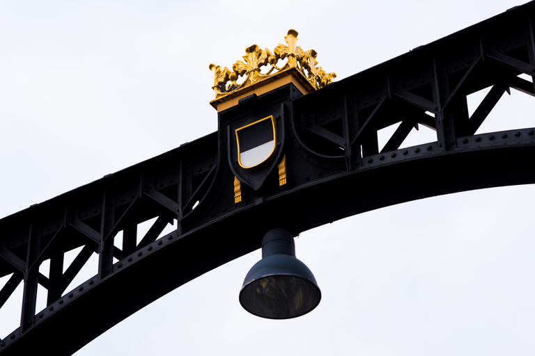 Frank Titze, Ulm/Germany - No. 3116 : Y 2015-05 - Bridge Crown - 959x640 Pixel - 262 kB
