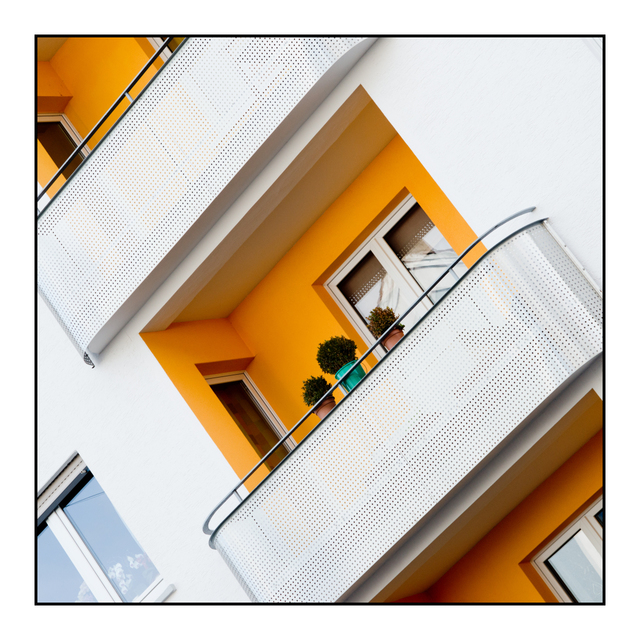 Frank Titze, Ulm/Germany - No. 3182 : Y 2015-05 - Balcony - 640x640 Pixel - 372 kB