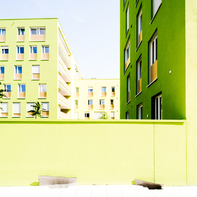 Frank Titze, Ulm/Germany - No. 5512 : Y 2018-01 - Green Houses I - ImageWidth : --- xImageHeight : ---  Pixel - 368 kB