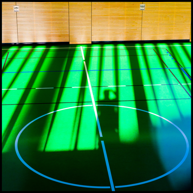 Frank Titze, Ulm/Germany - No. 5544 : Square 1:1 V - Green Floor Shadow I - ImageWidth : --- xImageHeight : ---  Pixel - 461 kB