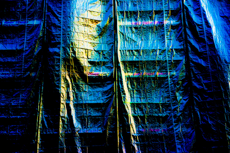 Frank Titze, Ulm/Germany - No. 5931 : Square 1:1 VII - Colors Sails - ImageWidth : --- xImageHeight : ---  Pixel - 1107 kB